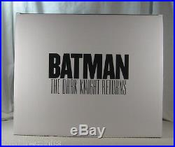 Batman The Dark Knight Returns A Call to Arms Statue 1st Edition BRAND NEW