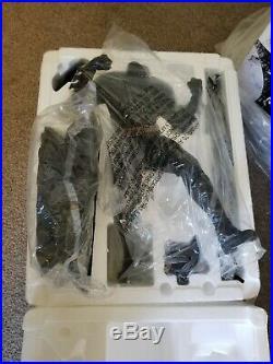 Batman / The Dark Knight / Sideshow Premium Format Figure / Mint