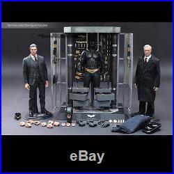 Batman The Dark Knight Waffenkammer with Bruce Wayne Alfred Hot Toys