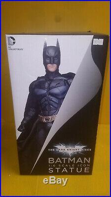 DC Collectibles Batman The Dark Knight 16 Scale Statue