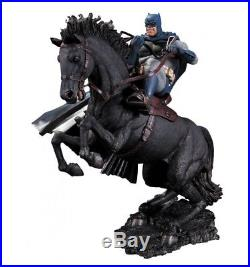 DC Collectibles Batman The Dark Knight Returns A Call to Arms Statue