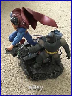 DC Collectibles The Dark Knight Returns Superman Vs. Batman Statue