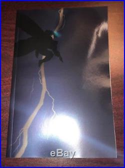 Exclusive 2018 New York Comic Con Batmanthe Dark Knight Returns Foil In Hand