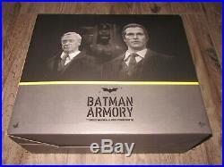 Hot Toys 1/6 The Dark Knight Batman Armory Bruce Wayne Alfred Pennyworth Batman