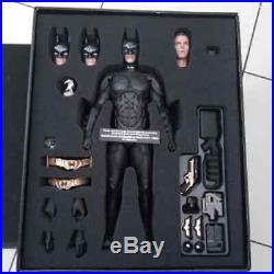 Hot Toys DX 12 THE DARK KNIGHT RISES BATMAN/ BRUCE WAYNE 1/6TH SCALE COLLECTIBLE