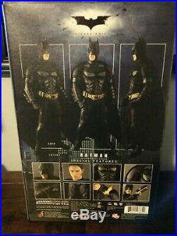 Hot Toys MMS71 The Dark Knight Batman Collectible Figure