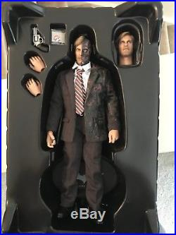 Hot Toys Movie Masterpiece Harvey Dent Two Face 1/6 Collectible The Dark Knight