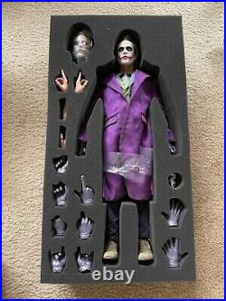 Hot Toys THE DARK KNIGHT THE JOKER 1/4 Scale Sideshow Collectibles