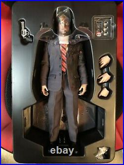Hot Toys The Dark Knight Two Face 1/6th Scale Collectible Figure
