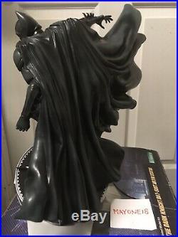 Kotobukiya ArtFX Batman The Dark Knight Bat-Suit Statue