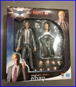 Medicom Toy MAFEX No. 054 HARVEY DENT two face the dark knight