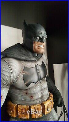 Prime 1 Studio Batman The Dark Knight Returns Statue Collector Edition