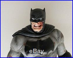 Prime 1 Studio Sideshow The Dark Knight Returns Batman + 2 custom Heads +Stands