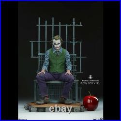 SIDESHOW The Joker (The Dark Knight) Heath Ledger Premium Format Statue Figure