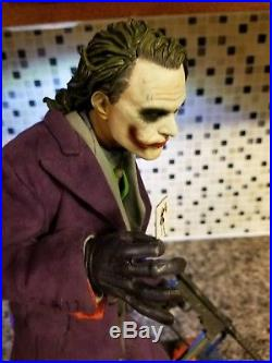 Sideshow Collectibles The Joker The Dark Knight Premium Format Figure 3042/3500