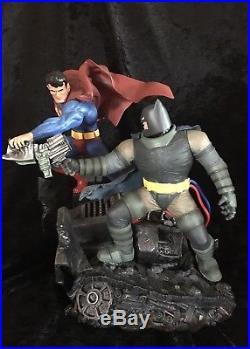 The Dark Knight Returns Batman vs Superman Statue