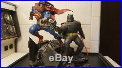 The Dark Knight Returns Superman vs Batman Battle Statue DC Comics Frank Miller
