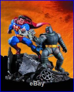 The Dark Knight Returns Superman vs Batman Statue New In Box